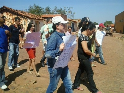 Professores municipais entram em greve e fazem manifesto na cidade de Lagoa do Sítio